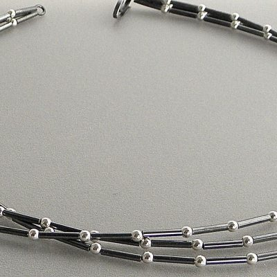 644 - Three Strand Ball Necklace