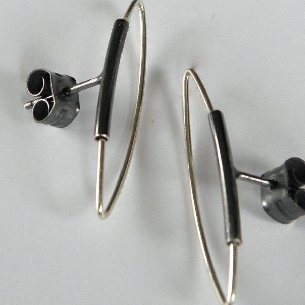 853 - Post Earrings