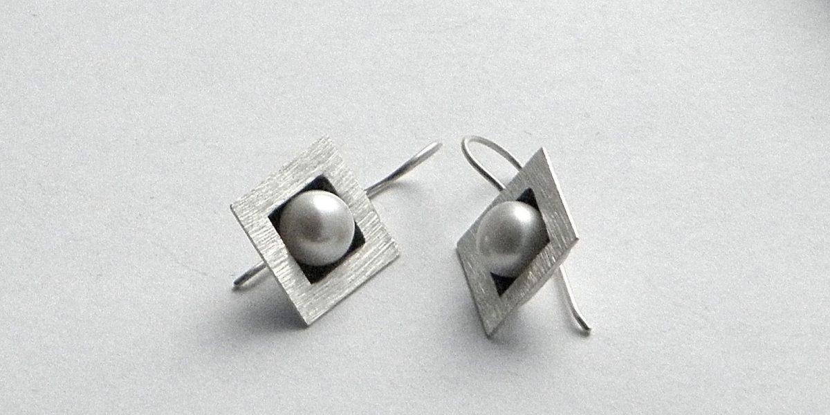 133 - Square Pearl Earrings