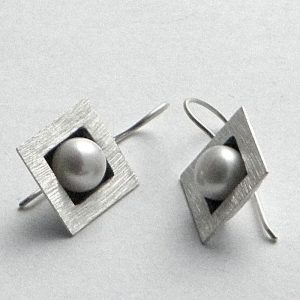 133 Square Pearl Earrings