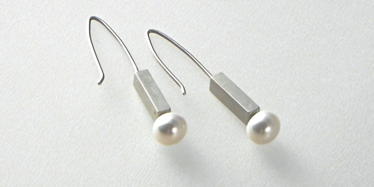 528 - 7mm Pearl Earrings
