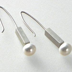 528 7mm Pearl Earrings