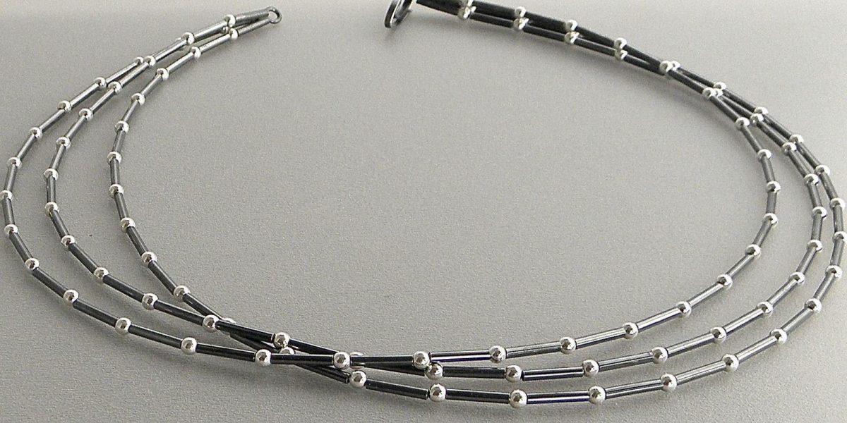644 - Three Strand Ball Necklace