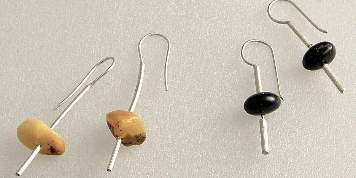 711 - Single Amber Earrings