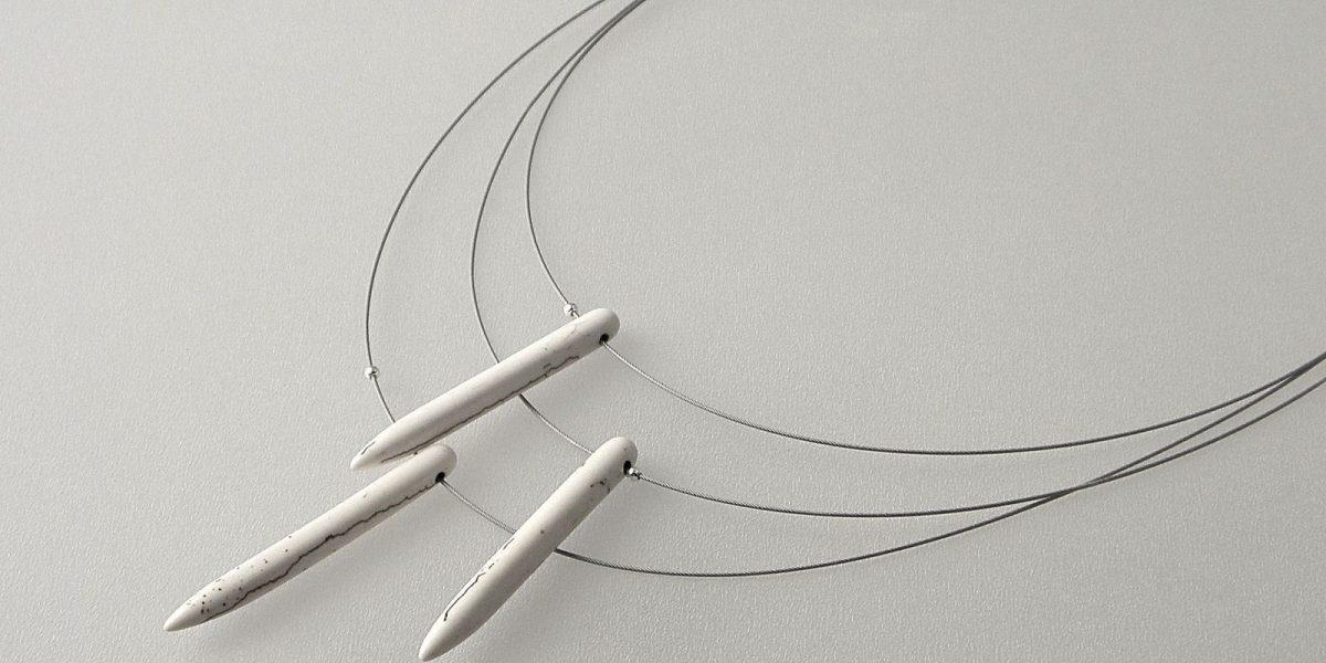 846 - White Magnesite Necklace
