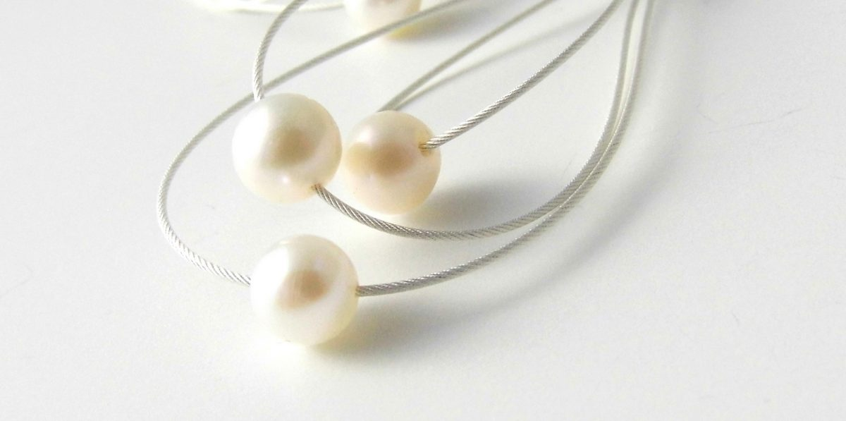 869 Pearl Whisk Away Earrings