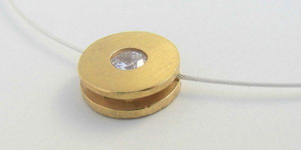 897 CZ Cubic Zirconia Pendant Gold