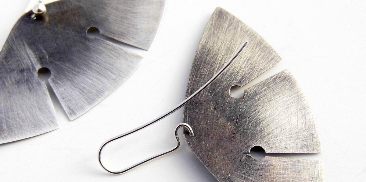 899 Drop Buttefly Earrings