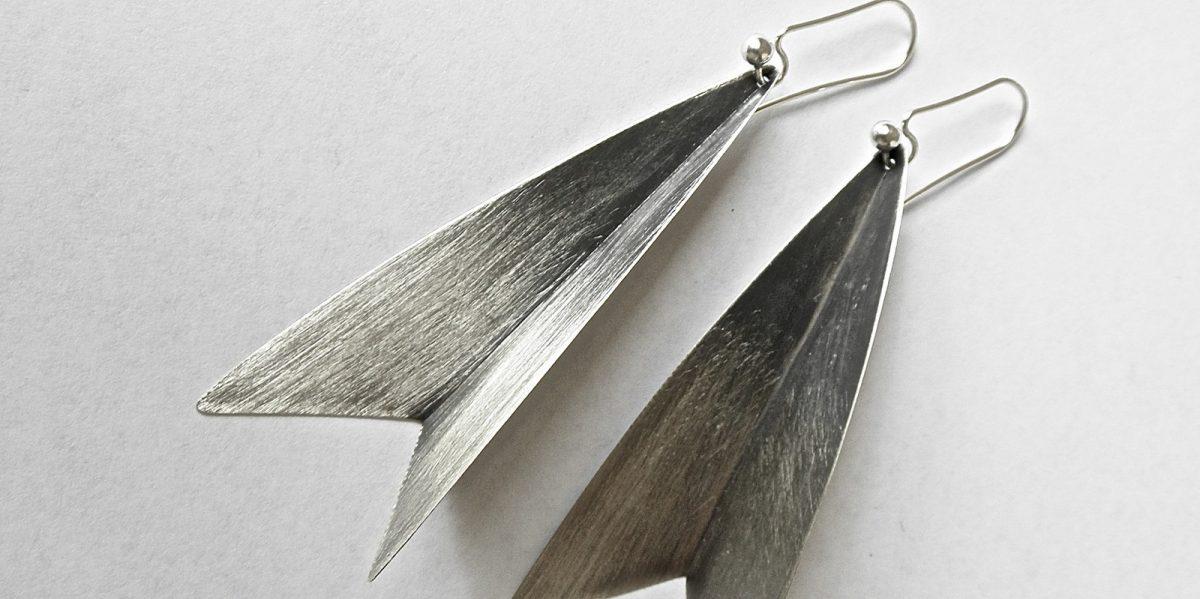 901 tulip earrings