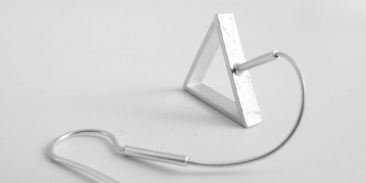 910 Flexible Drop Triangle Earrings