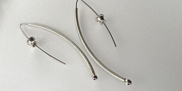 912 - Curve Earrings