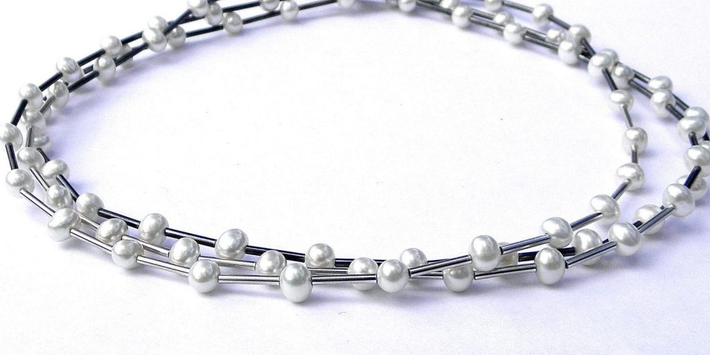 926 - Triple Strand Pearl Necklace