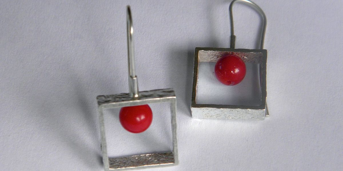937 - Small Square With Coral Earrings