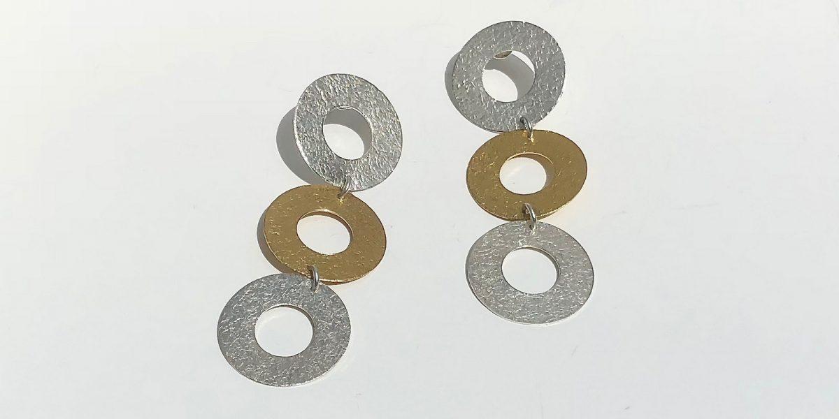 969 three open disc earrings