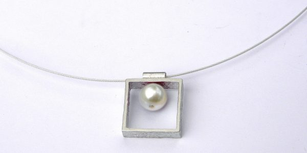 935 pearl in square necklace