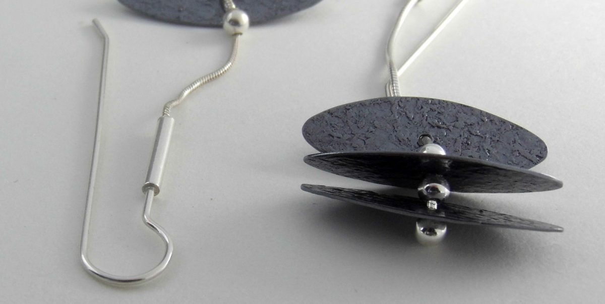 942 Flexible Tiered Disc Earrings Oxidized