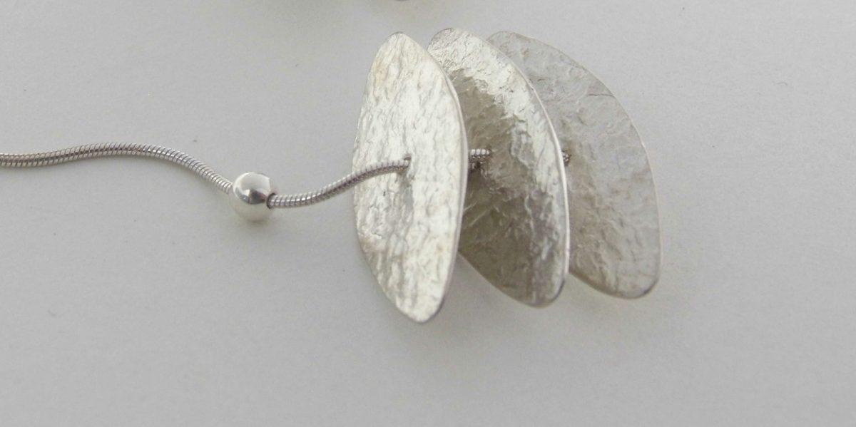 942 Flexible Tiered Disc Earrings Silver
